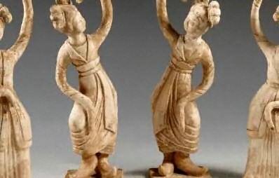 statue di danzatrici
