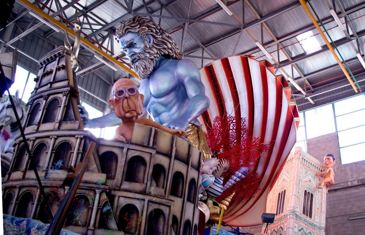 Dietro le quinte del Carnevale di Viareggio